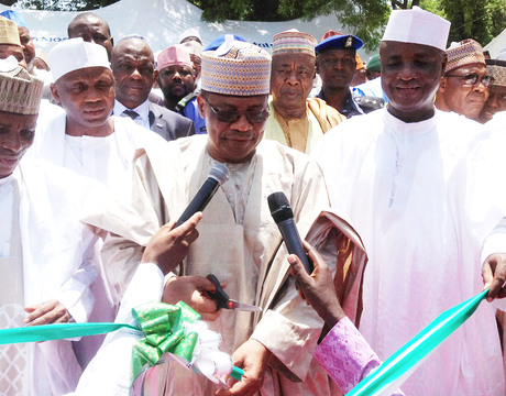 FROM LEFT: DEPUTY GOVERNOR OF SOKOTO STATE, ALHAJI MUKTARI  SHAGARI; FORMER MILITARY PRESIDENT, GEN. IBRAHIM  BABANGIDA AND GOV. ALIYU WAMAKKO OF SOKOTO STATE, INAUGURATING THE STATE'S NEW PRESIDENTIAL LODGE IN SOKOTO ON MONDAY.