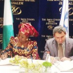 MINISTER OF FOREIGN AFFAIRS, PROF. VIOLA ONWULIRI (L), SIGNING BILATERAL AIR SERVICES AGREEMENT (BASA) WITH THE DEPUTY ISRAELI FOREIGN MINISTER, MR ZEER ELKIN, IN JERUSALEM OF MONDAY (28/10/13)