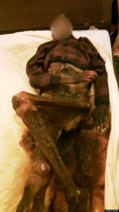Woman Sleeps Next To Her Dead Husband's Decomposed Corpse For A Year 2