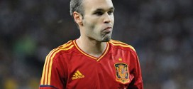 Andres Iniesta Agrees New Barcelona Contract Extension.