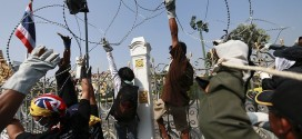 Thai Protesters Cut Power At Government House