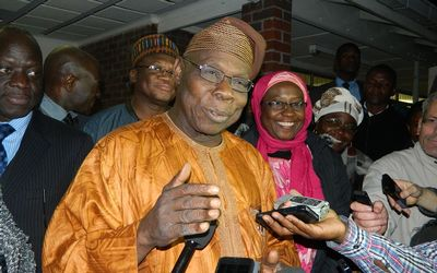 obasanjo_arrives_zimbabwe