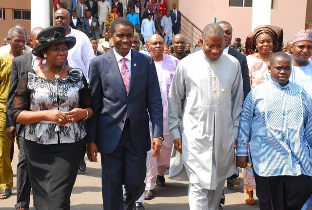 FROM LEFT WIFE OF BISHOP DAVID ABIOYE, PASTOR MARY ABIOYE, BISHOP DAVID ABOIYE, PRESIDENT GOODLUCK JONATHAN, MASTER ARIWERA JONATHAN AT THE LIVING FAITH CHURCH GOSHEN, NEAR KEFFI NASARAWA STATE