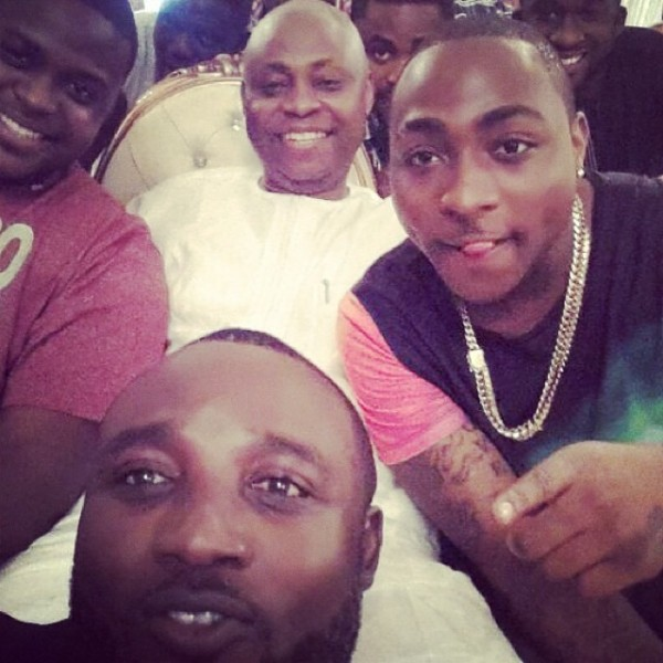 davido_with_dad