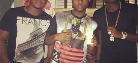 PHOTOS: Singer Davido Shows Off His 24 Carat Gold iPhone 5