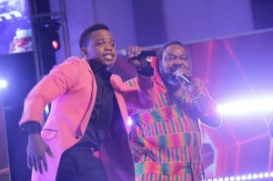 Pix 122 300x199 See Etisalat Ambassador Sasha and Patoranking get down at Nigerian Idol Eviction Party