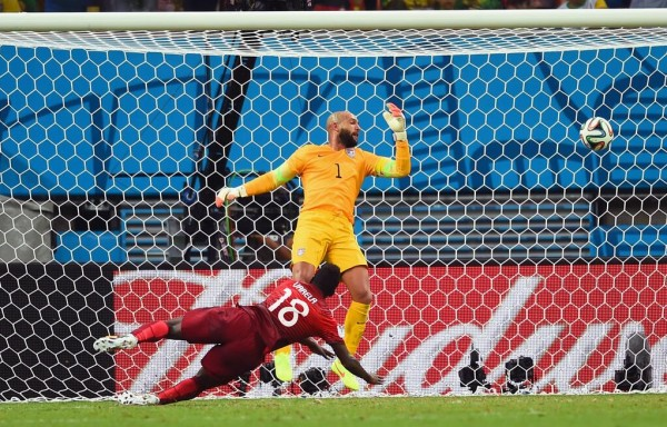 Silvestre Varela Draws Portugal Level With USA With a Diving Header IN Manaus.