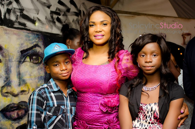 single parenting in nigeria Major trends affecting families in the new millennium single-parent households, however, also increase because of the growing number of mothers who.