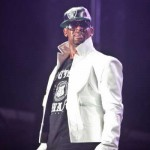 R.kelly sued for 1 million $