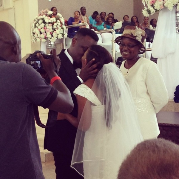 eee Check Out Photos From Dr Sid & Simi's White Wedding