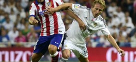 Modric extends Madrid stay