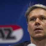 Van Basten Takes Secondary Role on Return to AZ
