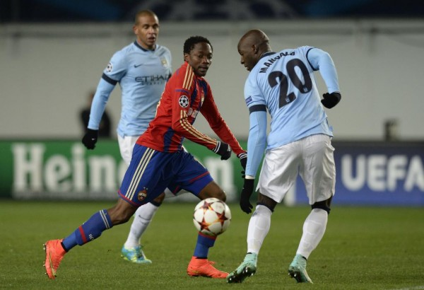 Ahmed Musa Tries Beating Eliaquim Mangdala During CSKA Moscow's 2-2 Draw With Man City. Image: AFP/Getty