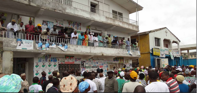 ONDO PDP LEADERS ADDRESSING AGGRIEVED PARTY MEMBERS IN AKURE YESTERDAY (PHOTO CREDIT: SAHARA REPORTERS)