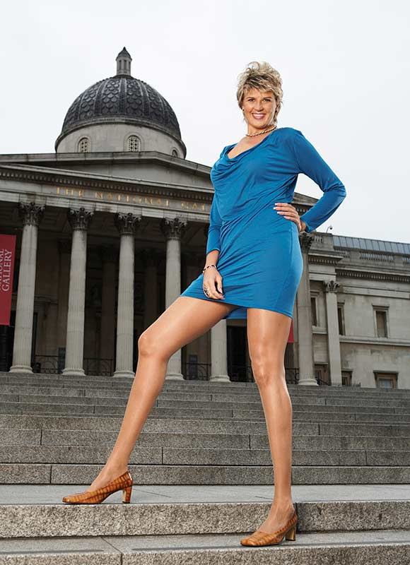 PHOTOS: Meet Woman With World's Longest Legs - INFORMATION