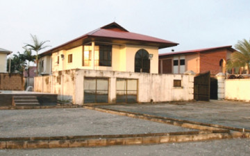 LAGOS MANSION BELONGING TO A FORMER GOVERNOR OF DELTA STATE, CHIEF JAMES IBORI, AFTER IT WAS SEALED OFF BY THE ECONOMIC AND FINANCIAL CRIMES COMMISSION