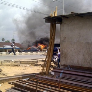 Militants Set Cars On Fire As They Protest Non-payment Of Salaries In Bayelsa