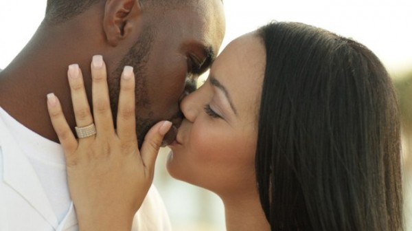 young_couple_kissing