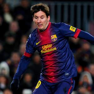 Lionel- Messi-130223-Dribbles-G-300