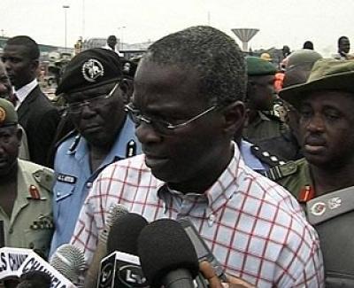 gov-fashola-with-newsmen