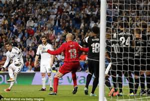 Ronaldo Scores an Indirect Free- Kick.