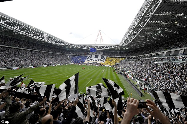 Juve Fans Came in Large Numbers Knowing a Draw is Enough for the Scudetto.