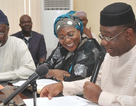 FROM LEFT: CHAIRMAN, TECHNICAL INVESTIGATIVE PANEL ON SYSTEM COLLAPSE, MR FATAI OLAPADE; MINISTER OF STATE FOR POWER,HAJIYA ZAINAB KUCHI, AND THE MINISTER, PROF. CHINEDU NEBO