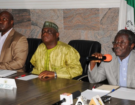 FROM LEFT: PLATEAU COMMISSIONER OF INFORMATION AND COMMUNICATIONS, PASTOR ABRAHAM YILJAP; DEPUTY GOVERNOR, IGNATIUS LONGJAN AND GOV. JONAH JANG BRIEFING NEWSMEN ON HIS MID-TERM REVIEW IN JOS ON FRIDAY