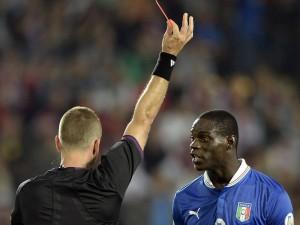 Czech-Republic-v-Italy-Mario-Balotelli-sent-o_2956272