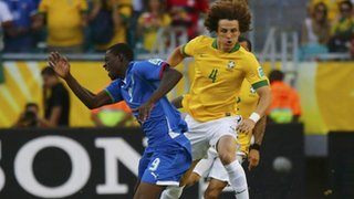 David Luiz Gets Carded Earlier Into the Game For This Kind of Challenge.