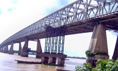Niger-Bridge-412