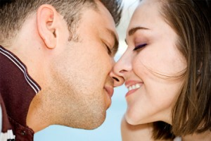 couple-kissing-horiz