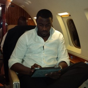 john-dumelo-in-private-jet-600x600