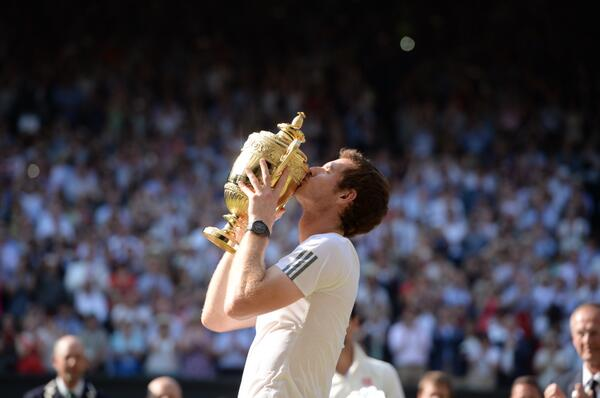Andy Murray Clinches First Wimbledon Title Beating Novak Djokovic in Three Straight-Set.