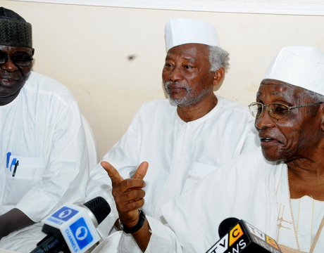 FROM LEFT: LEGAL ADVISER, AREWA CONSULTATIVE FORUM, MR BITRUS GWADAH; FORMER MINISTER OF AGRICULTURE, ALHAJI SANI DAURA AND CHAIRMAN, NORTHERN  ELDERS FORUM, PROF. ANGO ABDULLAHI, ADDRESSING A NEWS CONFERENCE IN KADUNA RECENTLY (PHOTO CREDIT - NAN)