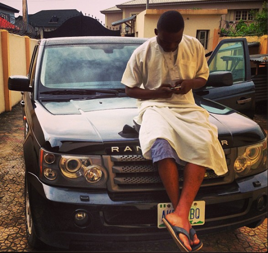 olamide_shows_off_his_range_rover_on_instagram