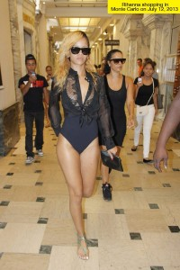 rihanna-shopping-bathing-suit-lead