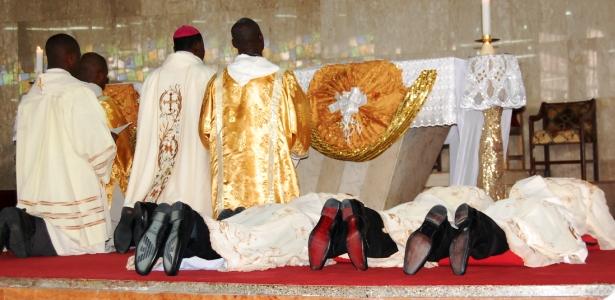 CATHOLIC PRIESTS DURING MASS