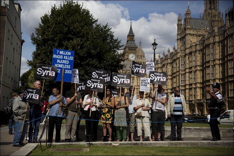 britain-syria-protesters