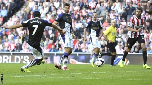 Luis Suarez Scored Twice to Help Liverpool Up to Second Place on the Log.