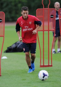 Mesut Ozil's First Training Session as an Arsenal Player.