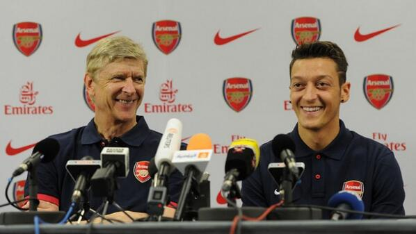 Ozil and Wenger at a Press Conference Ahead of Sunderland Game.