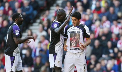 Suarez Célébrâtes With Mamadou Sakho and Kolo Toure.