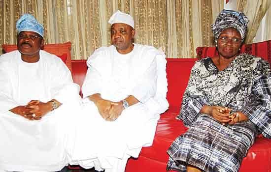 L-R: GOVERNOR ABIOLA AJIMOBI OF OYO STATE, VICE-PRESIDENT NAMADI SAMBO & THE LATE DR. OLUSEGUN AGAGU'S WIDOW, MRS. OLUFUNKE AGAGU