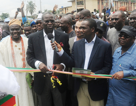 FROM LEFT: BALE OF OWUTU, CHIEF JOSEPH ALUKO;  GOV. BABATUNDE FASHOLA OF LAGOS; MANAGING DIRECTOR, ARAB CONTRACTORS, MR OSAMA MUSTAPHA; LAGOS COMMISSIONER FOR WORKS, DR OBAFEMI HAMZAT AND SPECIAL ADVISER TO LAGOS GOVERNOR ON WORKS, MR GANIYU JOHNSON, AT THE INAUGURATION OF IBESHE ROAD IN IKORODU, LAGOS ON TUESDAY