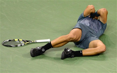 Rafa Collapses to the Ground After Winning Nova.