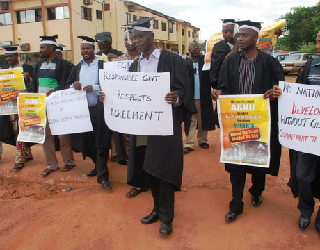 ASUU MEMBERS, ENUGU STATE UNIVERSITY OF SCIENCE AND TECHNOLOGY (ESUT) CHAPTER, DURING A PEACEFUL PROTEST IN ENUGU ON FRIDAY