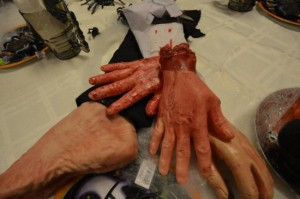 fake-severed-hand2-550x365