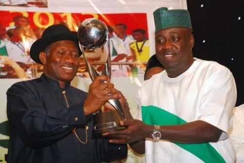Bolaji-Abdullahi-presents-the-FIFA-World-Cup-to-Jonathan-502x336