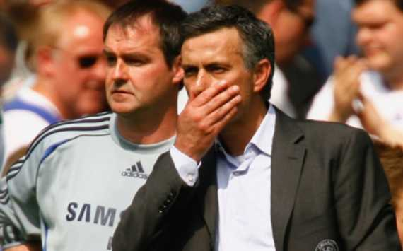 Jose Mourinho and Steve Clarke During the Portuguese's First Spell at Stamford Bridge.